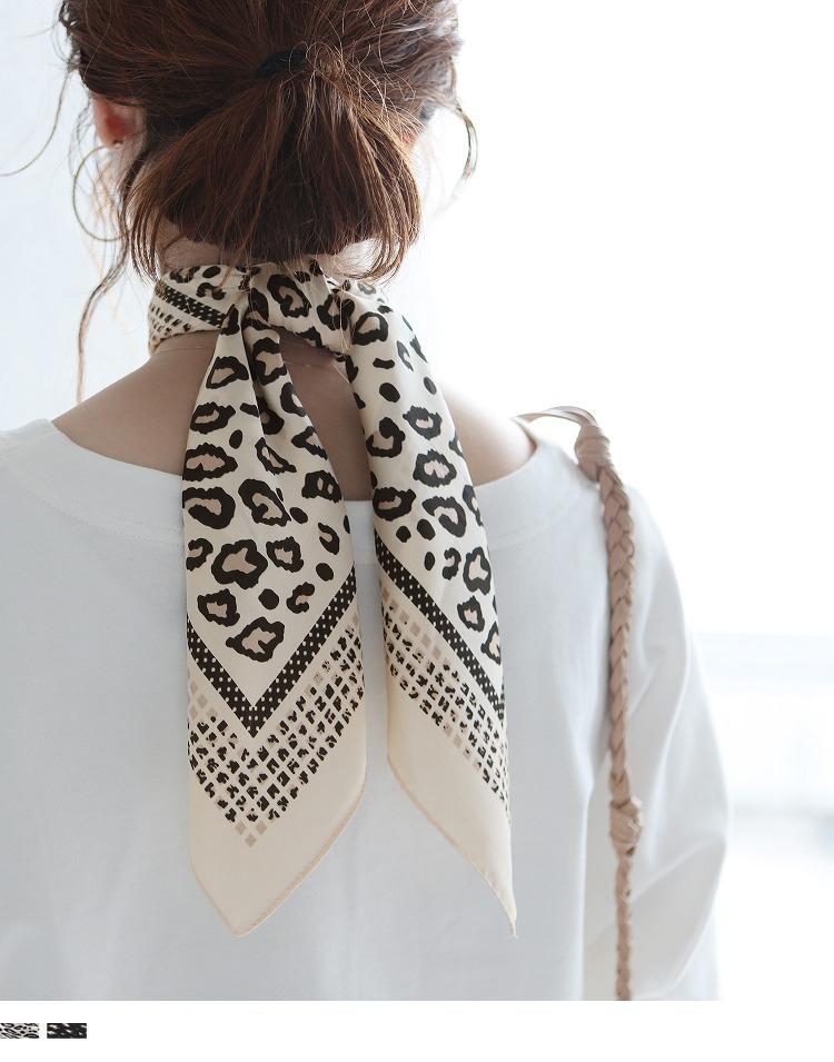 レオパード柄スクエアスカーフ